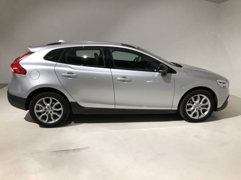 Volvo V40 Cross Country 1.5 T3   Auto Cross Country