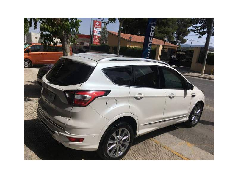 Ford Kuga 2.0 TDCi 110kW 4x4 ASS   Powers. Vignale