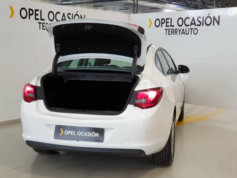Opel Astra Sedán 16 cdti   110cv selective