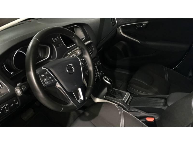 Volvo V40 D3 Momentum Automático