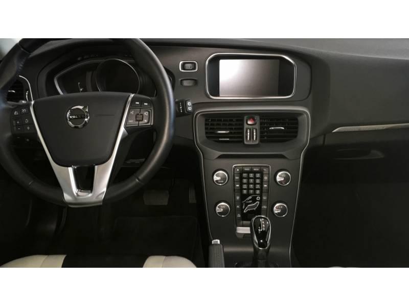 Volvo V40 Cross Country 2.0 D2 Auto Momentum Automático