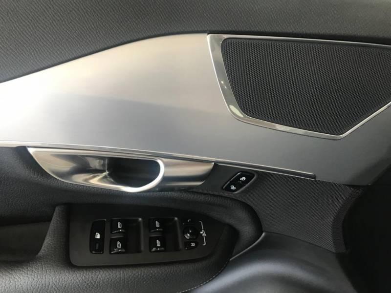 Volvo XC90 2.0 D4   Auto MOMENTUM 7 PLAZAS
