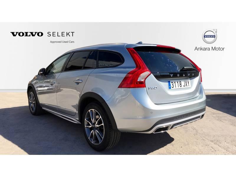 Volvo V60 Cross Country 2.0 MOMENTUM