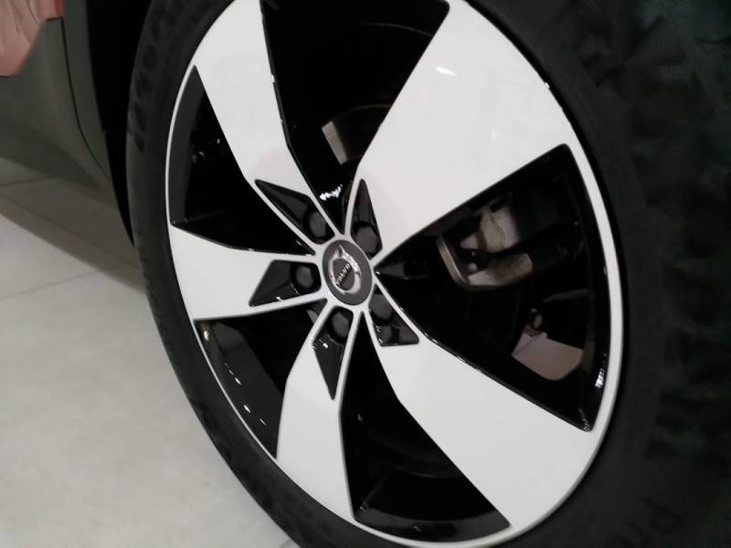 Volvo XC40 2.0 D4   Auto AWD Momentum