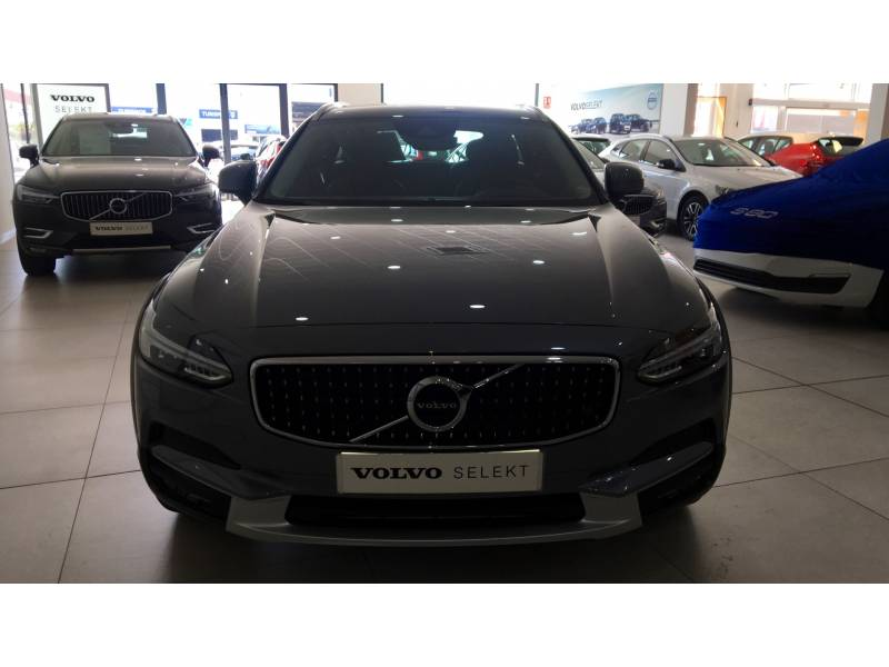 Volvo V90 Cross Country 2.0 D4   Auto AWD Momentum
