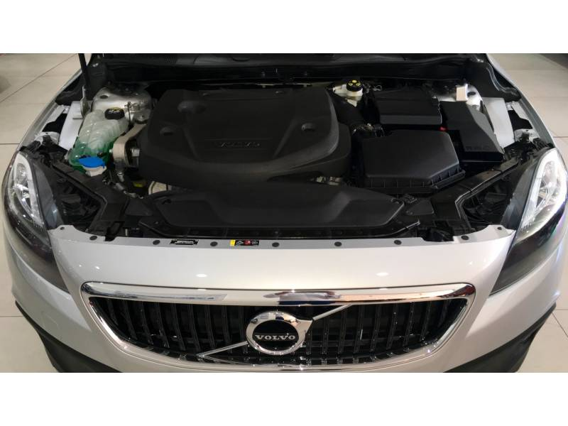 Volvo V40 Cross Country D3 Momentum Automático