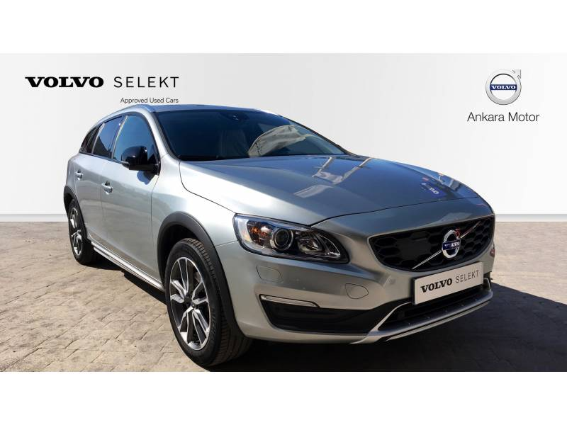 Volvo V60 Cross Country 2.0 MOMENTUM