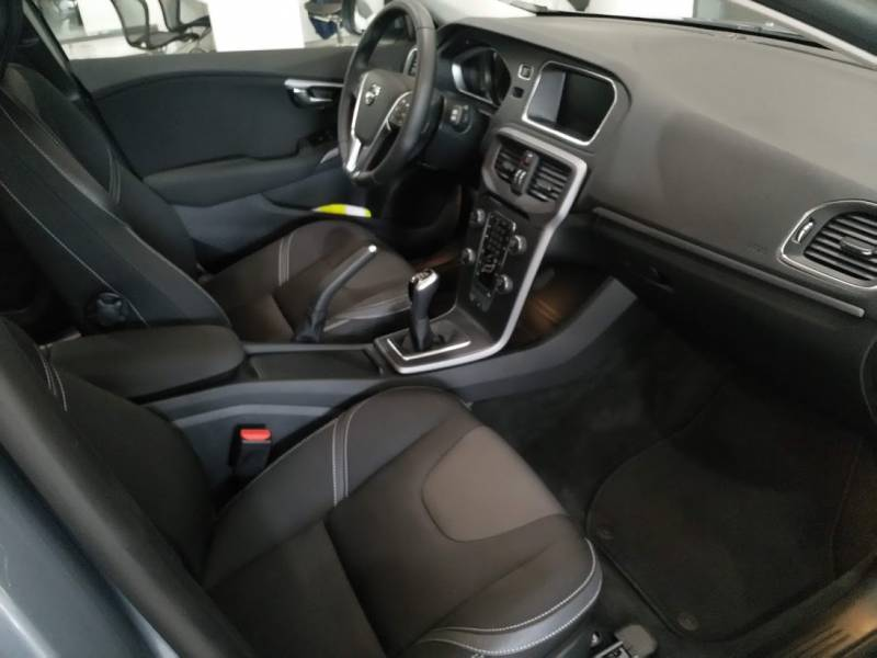 Volvo V40 Cross Country T2 MOMENTUM