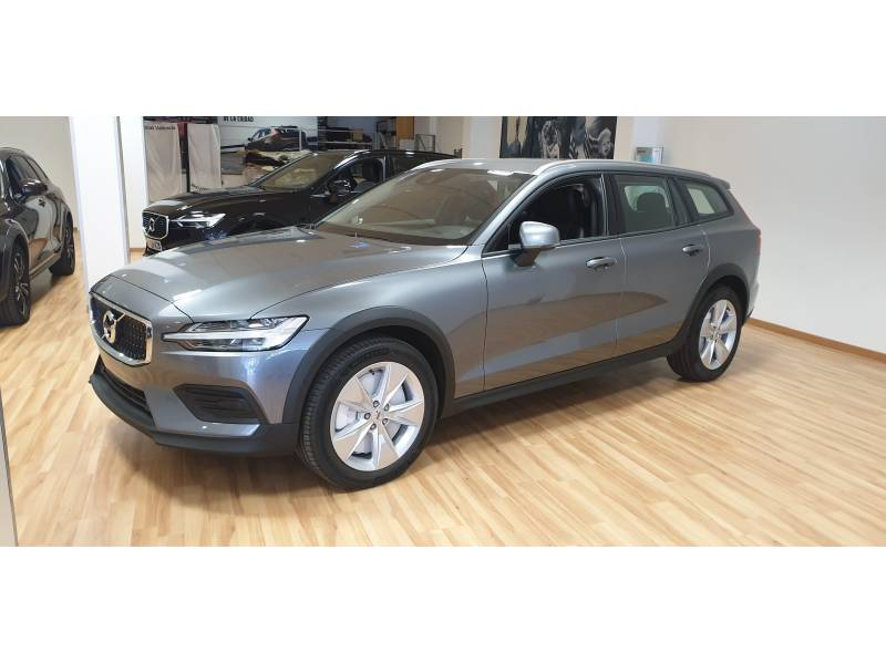 Volvo V60 Cross Country 2.0 D4   Auto Cross Country