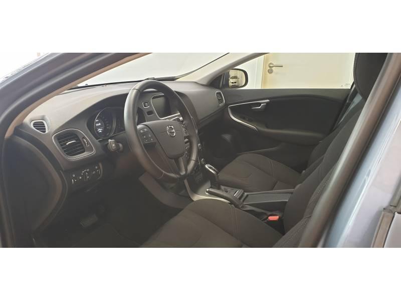 Volvo V40 2.0 D2   Auto Kinetic