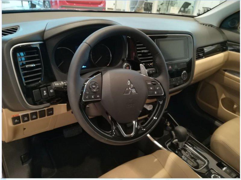 Mitsubishi Outlander 2.2 DI-D
