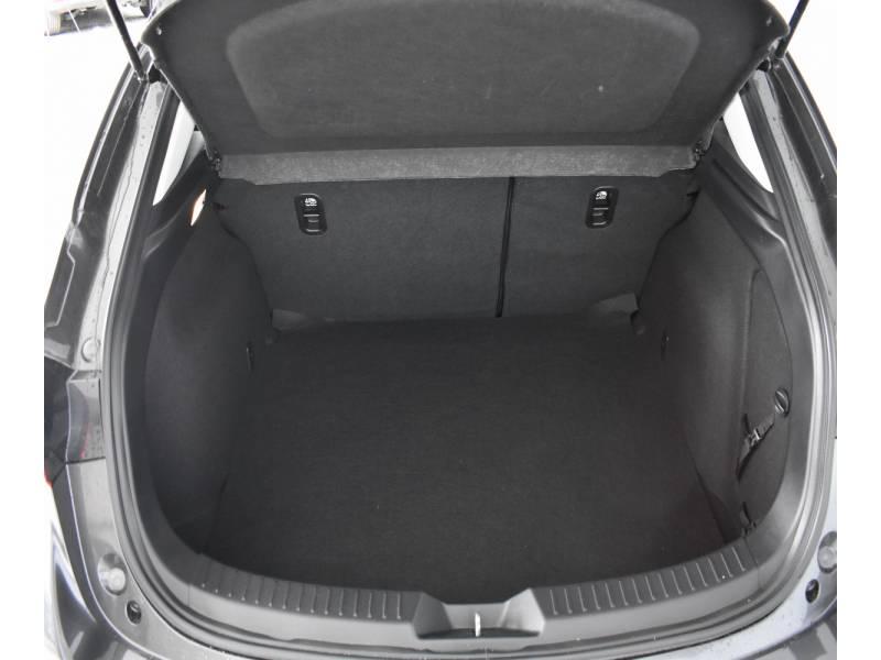 Mazda Mazda3 2.0 GE MT  +Navegador Zenith