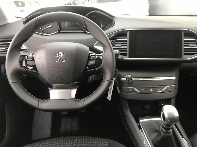 Peugeot 308 5p   BlueHDi 130 S&S 6 Vel. MAN Style