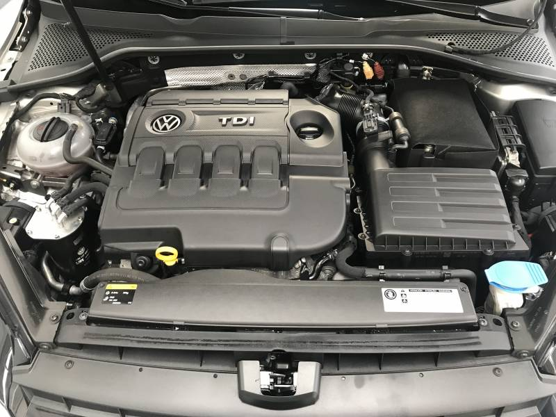 Volkswagen Golf Variant   1.6 TDI 105CV BMT Advance