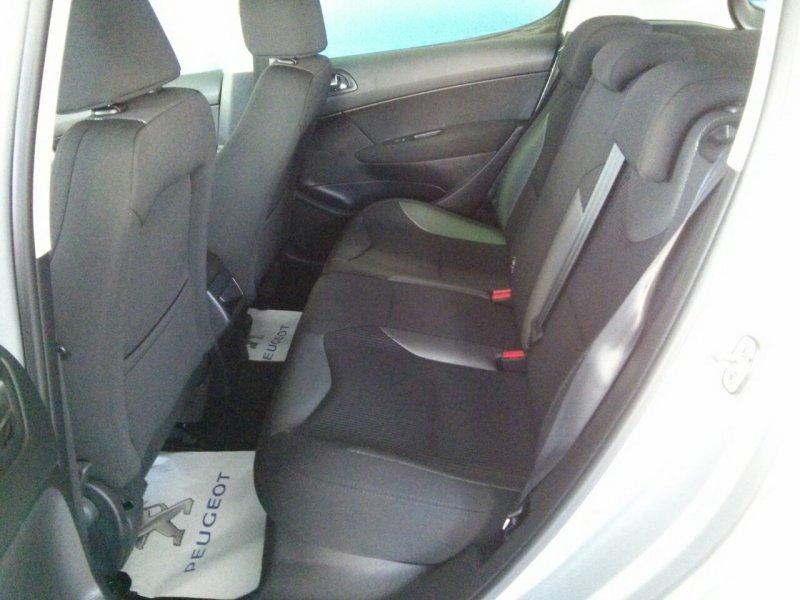 Peugeot 308 1.6 HDI 112 FAP 6 velocidades Sportium