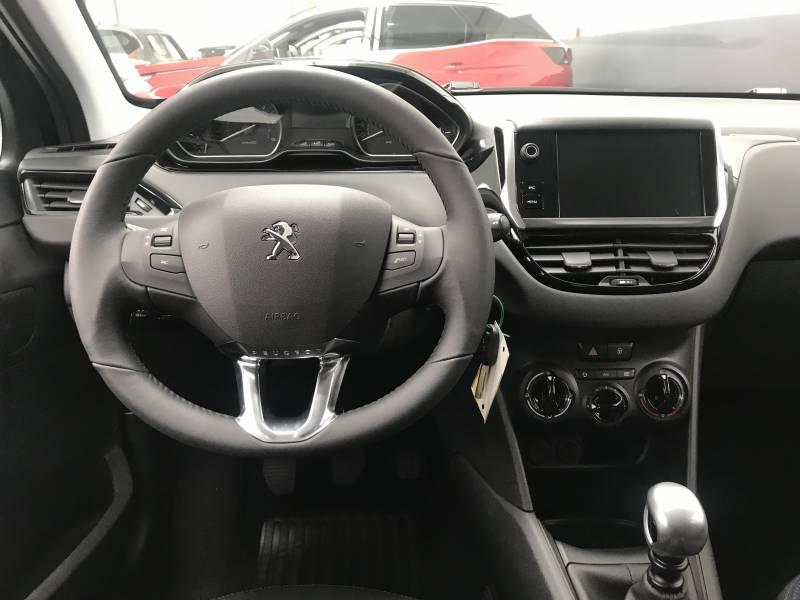 Peugeot 208 5P   1.2L PureTech 81KW (110CV) Signature