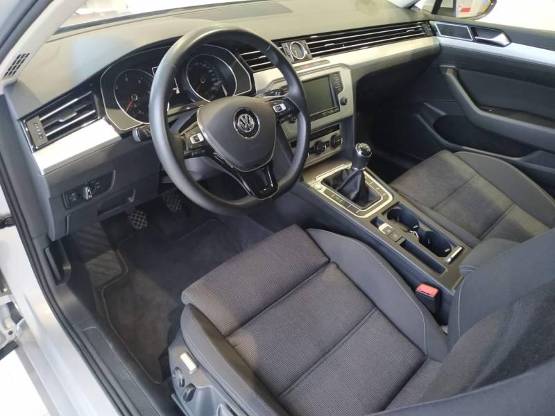 Volkswagen Passat 1.6 TDI 120cv   Tech Advance Bluemotion