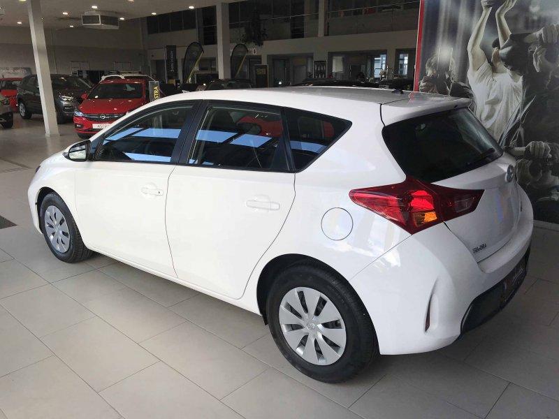Toyota Auris 90D Live