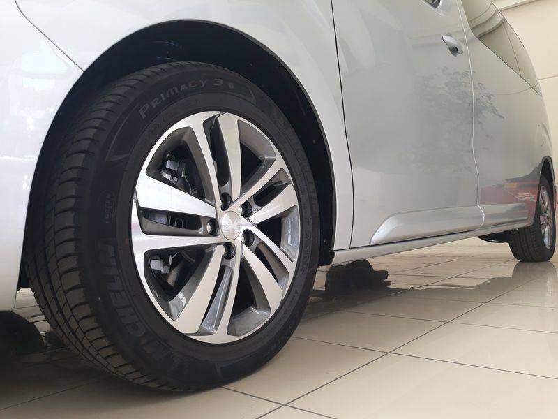 Peugeot Traveller 2.0 BlueHDi 180 BUSINESS VIP