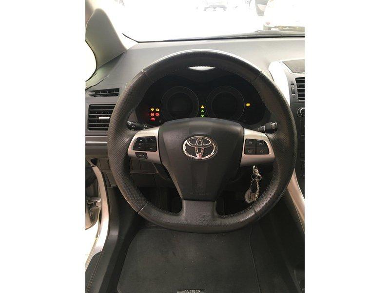 Toyota Auris 1.4 DPF 5p ACT