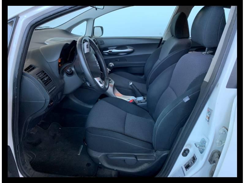 Toyota Auris 1.6 VVT-i Active