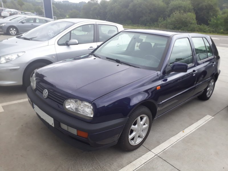 Volkswagen Golf 1.6 90 GASOLINA CL