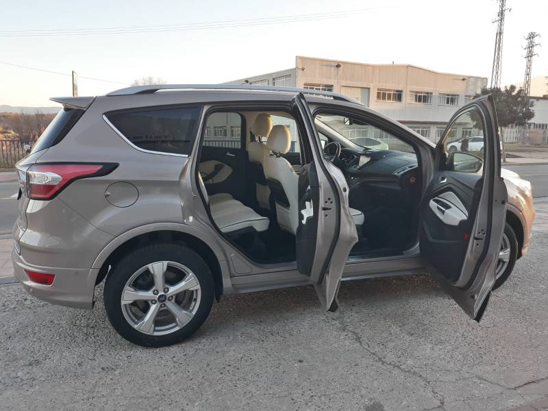 Ford Kuga 2.0 TDCi 150 4x2 A-S-S Vignale
