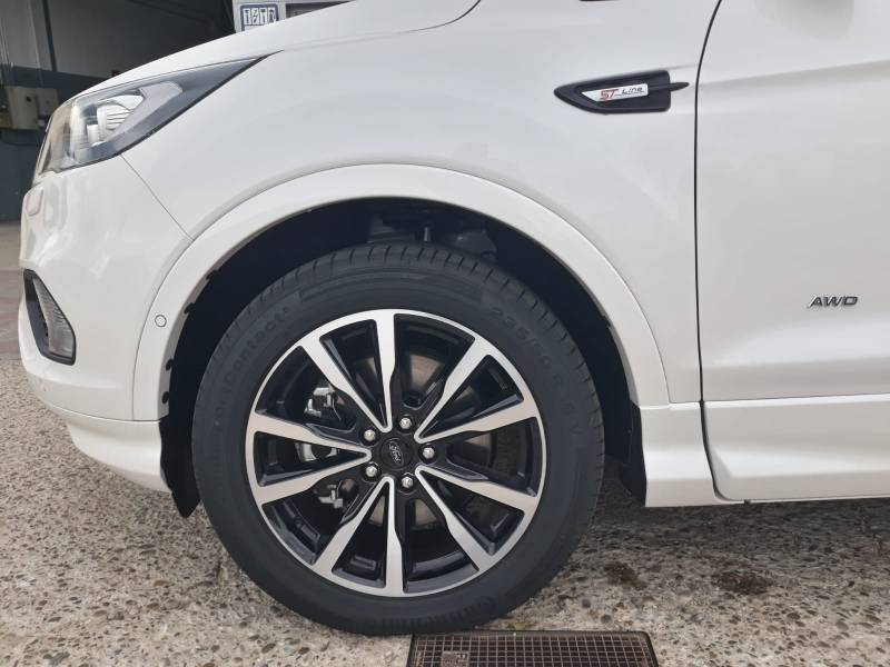 Ford Kuga ST-Line Lim 2.0 TDCi 132kW 4x4 Powshift ST-Line Limited Edition