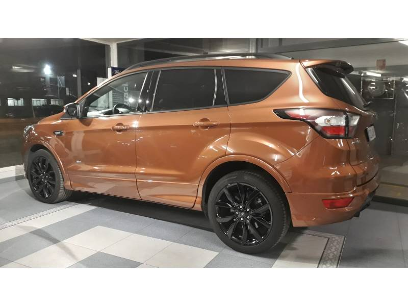 Ford Kuga 2.0 TDCi 110kW 4x4 ASS   Powers. ST-Line